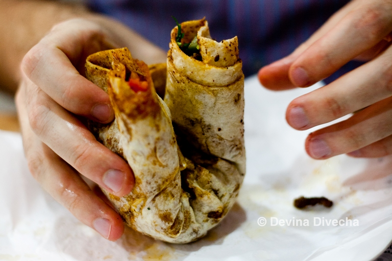Eating the tantuni roll
